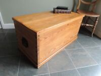 LOVELY OLD SOLID PINE VICTORIAN BLANKET BOX / COFFEE / TABLE / STORAGE