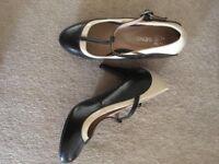 ***Ladies SIZE 4/5 various shoes sale***