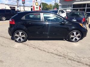 2013 Kia Rio SX LOADED CAR PROOF CLEAN Oakville / Halton Region Toronto (GTA) image 6