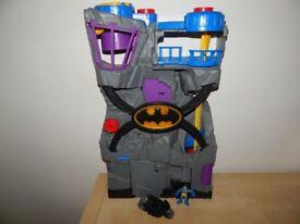 IMAGINEXT BATMAN BATCAVE WITH FIGURE