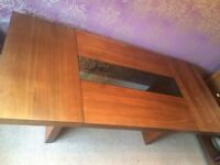 Chunky Dark' Wood' Table