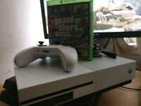 X BOX ONE S,in new conditions, no scratches no barrel,