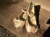 GIRLS GOLD SEQUIN PARTY SHOES SIZE 9