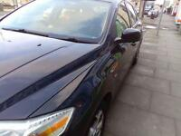 Black ford mondeo zetec