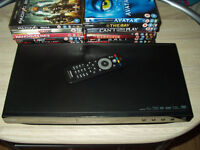 PHILIPS BDP2850 BLU-RAY/DVD PLAYER - EXCELLENT CONDITION - 15 FREE DVDS INC
