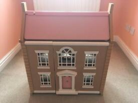 Dolls house, furniture & dolls
