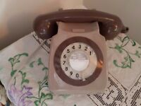 Vintage BT 706 two-tone grey telephone. Working