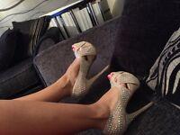 Beige high heel size 4