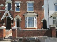 ***ONE BED STUDIO- TENNYSON ROAD***CLOSE TO ALL AMENITIES***£495 WITH ALL BILLS INCLUDED***NO DSS***
