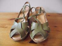 Clarks, green, cork platform sandals, size 6 (39)