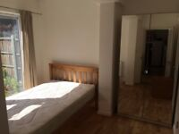 Ensuite room in canary wharf e14 for professionals