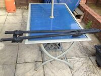 Lockable roof bar brackets with 2 keys