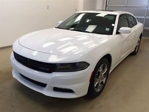 2016 Dodge Charger SXT- NAV and Heated Seats!