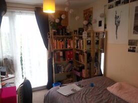 FOR SUBLETTING: double room in Whitechapel, already furnished - with balcony