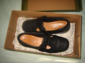 Ladies Girls Shoes Hotter Comfort Black Size 4 Cost £69