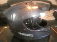 Takashi Aeromax motorcycle helmet