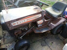 LASER/WESTWOOD RIDE ON LAWNMOWER WITH 11HP HONDA ENGINE