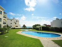 Albufeira apartment sea view, 2 swimming pool, 2 bedrooms, garden, barbecue, beach and parking