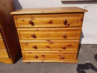 Lovely quality and condition solid pine chest of 4 drawers