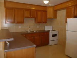 GORGEOUS NEWLY RENOVATED 4 BEDROOM TOWNHOUSE AVAILABLE BY JANE &