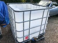 1000 litrre storage tank , fish storage / transport, water butt
