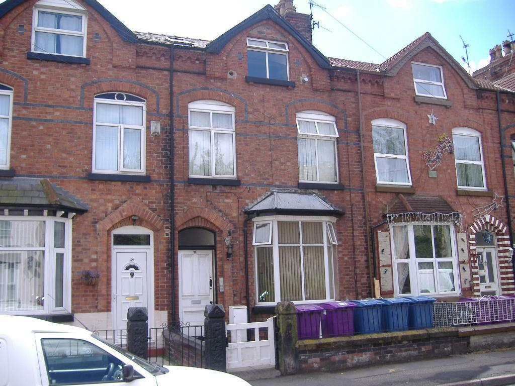 Island Road L19 - Second floor one bedroom flat in a nice quiet property