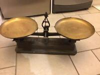 Balance scales/ weighing scales