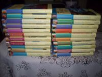 FULL SET OF 21 FAMOUS FIVE HARDBACKS, BY ENID BLYTON, UNCLIPPED DUSTWRAPPERS