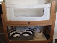 SnuzPod 3-in-1 Bedside Crib with 2x cot sheet