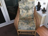 3 Piece Conservatory Suite In Good Condition