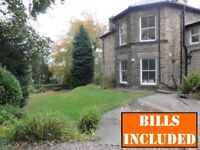 Spacious & well maintained 8-BED student house directly opposite Collegiate Campus. BILLS INCLUSIVE.
