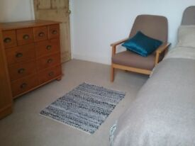 Double Room in Town house - Helston