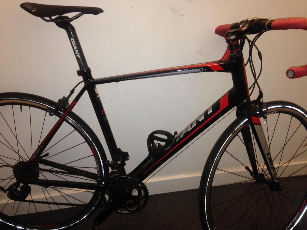 Giant Defy 1 Road Bike Shimano 105 Groupset Great Condition