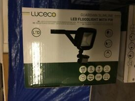 LUCECO GUARDIAN LED FLOODLIGHT & PIR BLACK