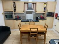 DOUBLE ROOM TO RENT IN WALTHAMSTOW E17 - All bills included
