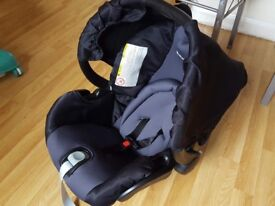 Mutsy baby car safety seat