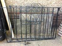 8ft pair of drive gates £25