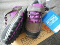 Ladies / Girls BRAND NEW IN BOX Regatta Waterproof Walking Hiking Shoes Boots Size 3 (Euro36)