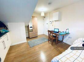 Studio flat in Royal College Street, London , NW1 (#1156027)