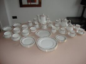 Beautiful Paragon Belinda Crockery