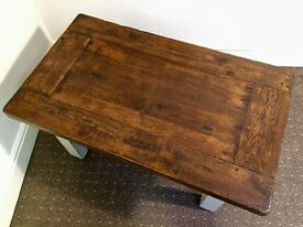 Beautiful little solid oak coffee restored coffee table