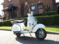 Vespa PX125 4 x Gear Scooter with front rack and top box. Only 994 miles! Mint condition!