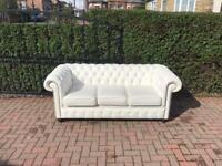 BRAND NEW WHITE LEATHER CHESTERFIELD SOFA DEL AVAIL