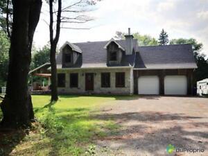 439 000$ - Maison à un étage et demi à vendre à Lachute