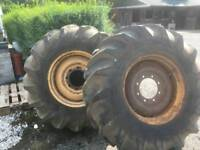 Combine harvester mf 525 wheels and tyres