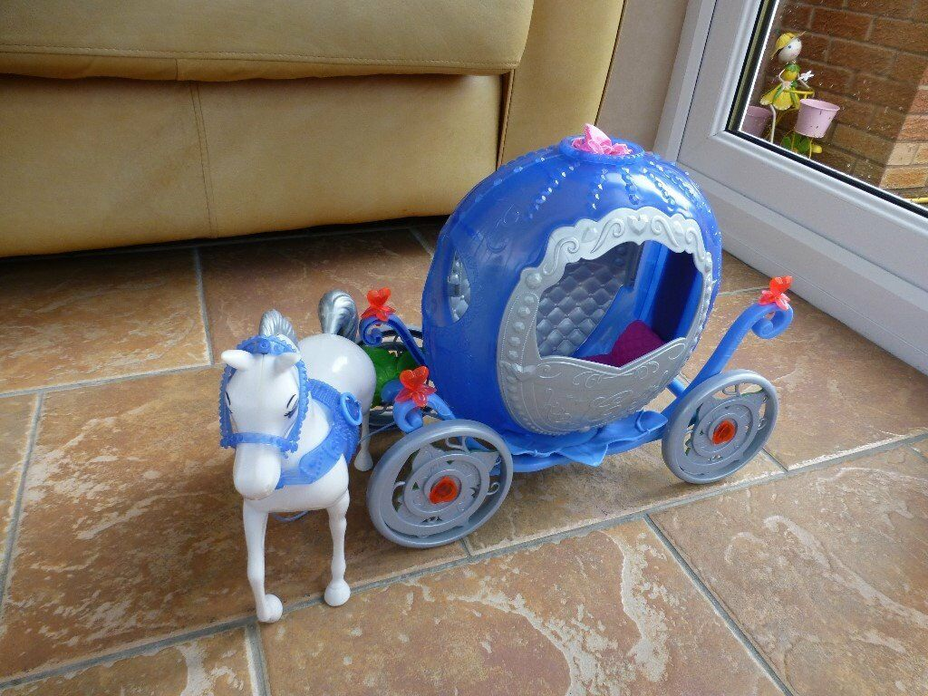 Disney Barbie Cinderella Transforming Pumpkin Carriage Coach