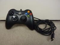 Microsoft Xbox 360 Black Wired Controller --- Black