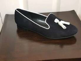 IVANKA TRUMP SIZE 7.5 BLACK SUEDE FLATS SHOES