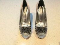 Lexus occasions shoes and matching clutch bag
