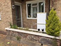 ..ROOMSHARE FOR FEMALE IN FULHAM..£85 PW (BILLS INC)